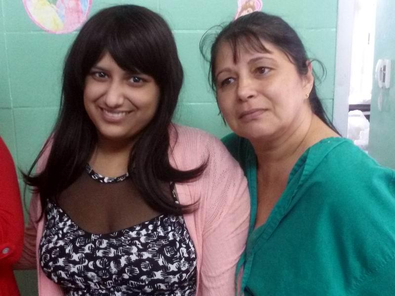 Misleidis Suárez (I) junto a su madre encontraron en esta sala de Oncocirugía Pediátrica una nueva familia Foto: Gabdiel Silva