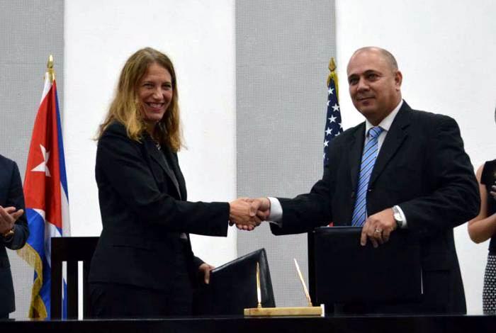 Cuban Health Minister receives US Health Secretary