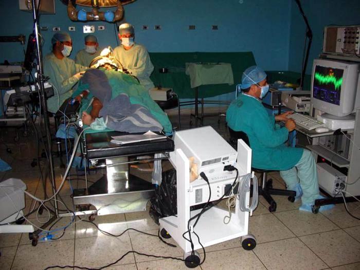 Pacientes de casi 100 países reciben atención neurológica en Cuba