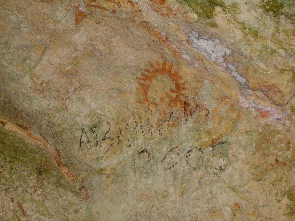 Nuevas evidencias aborígenes en la cueva La Pluma. Foto: José Miguel Solís