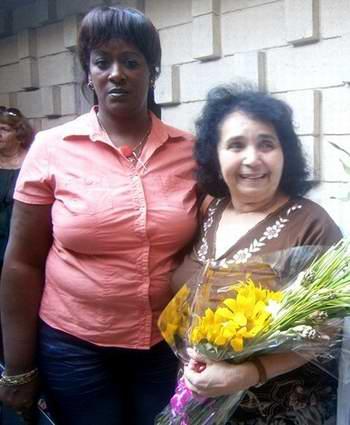 Presidenta de la Federación de Mujeres Cubanas, Regla Esponda y Lidia Torres, primera monja doctora en ciencias médicas de Latinoamérica. Foto Mireya Ojeda