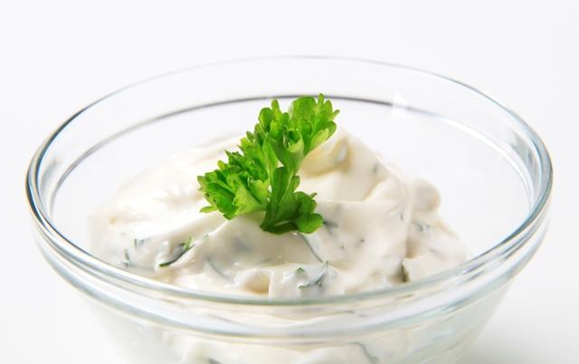 Salsas a base de yogurt para ensaladas