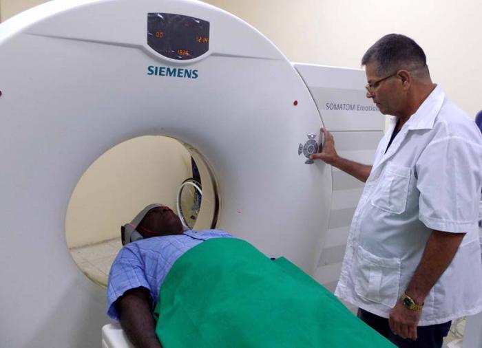 Se benefician avileños con servicios oncológicos
