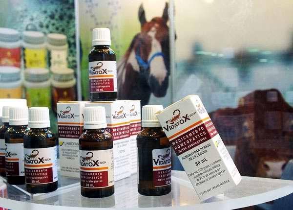 Producto homeopático para cáncer Vidatox. Foto Abel Rojas