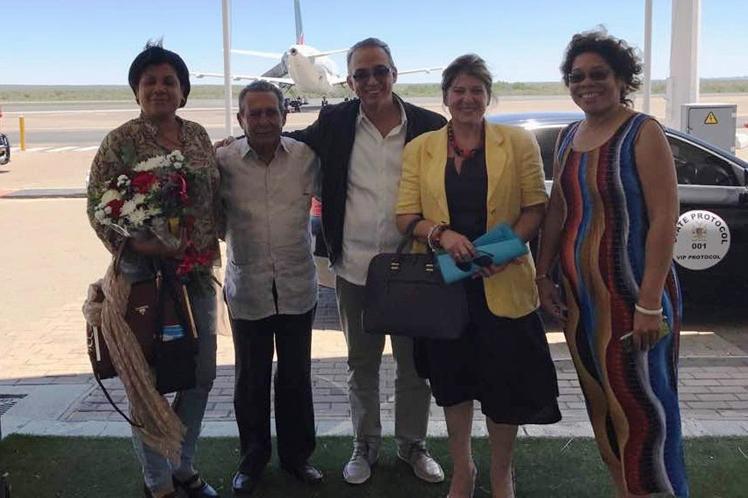 Llega Antonio Guerrero a Sudáfrica en visita oficial