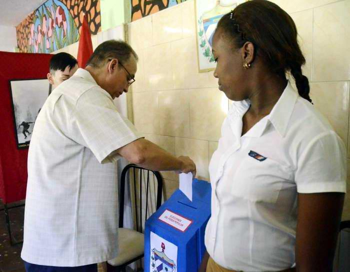 Antonio Guerrero: voto por nuestro sistema electoral democrático. Foto: Anabel Díaz