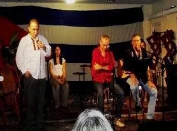 Antonio Guerrero presente en concierto Amar la vida. Foto Radio Ciudad del Mar