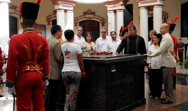 Cinco Héroes rindieron honores a Hugo Chávez (+Audio)