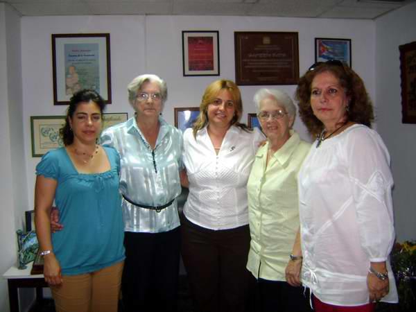 Familiares de los cinco antiterroristas cubanos celebran los 10 años del programa La Luz en lo oscuro: Foto: Anabel Frías
