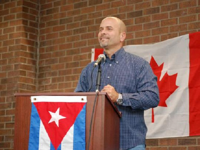 Cuban Antiterrorist Fighter Acclaimed during Visit to Canada