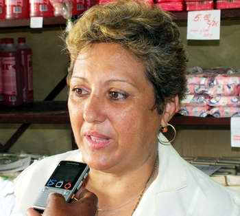 Administradora del Mercado Artesanal e Industrial Lucero, ubicado en Ayestarán 221, Juana María Pla Rodríguez. Foto Abel Rojas