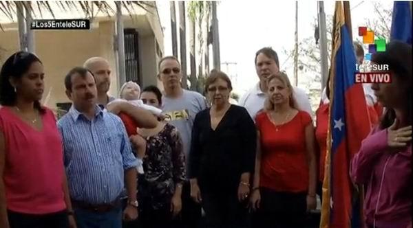 Visitan los cinco héroes sede de Telesur. Foto: Captura Twitter