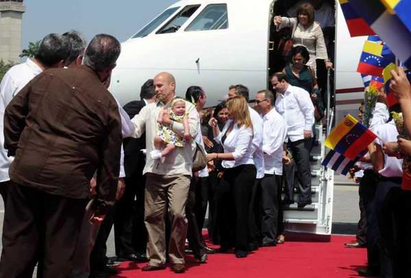 Los Cinco Héroes cubanos a su llegada a Venezuela. Foto: Omara García Mederos