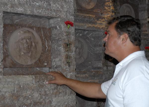 Rinde tributo al Che antiterrorista cubano Ramón Labañino