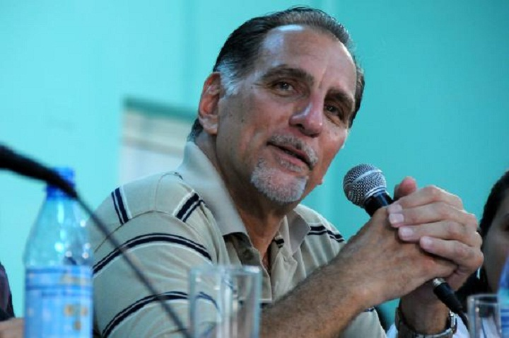 Llama René González a acercar más a los cubanos al ideario martiano