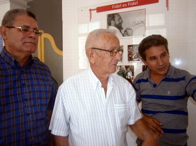 Arsenio recorrió lugares de interés económico y social en Cienfuegos, entre ellos el Instituto Cubano de Amistad con los Pueblos
