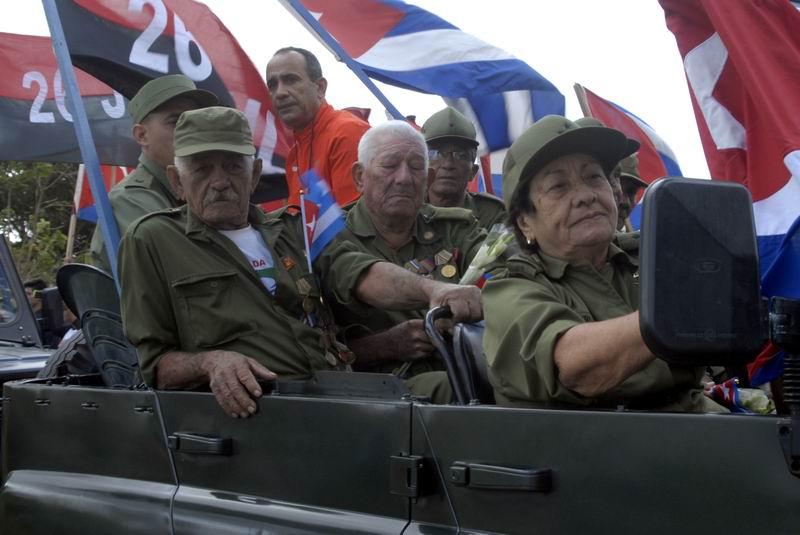 58 caravanistas, encabezados por la General de Brigada Delsa Esther Puebla. Foto: Carlos Serpa