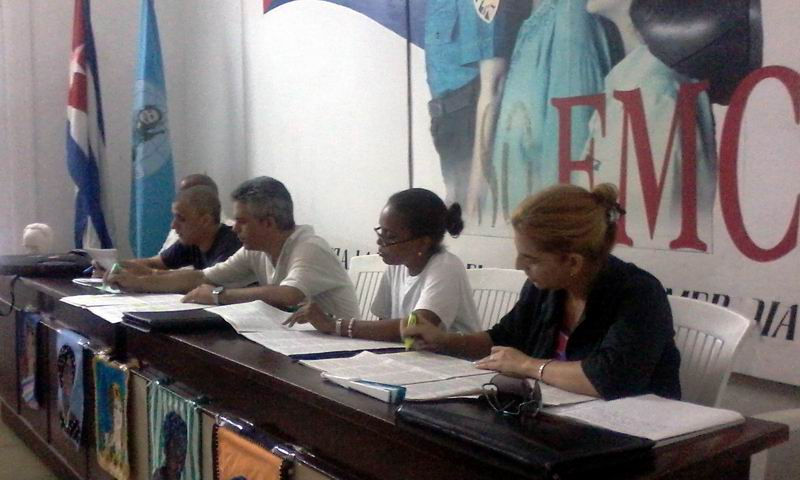Aportes de las federadas al debate de los documentos del VII Congreso del PCC. Foto: Carlos Serpa