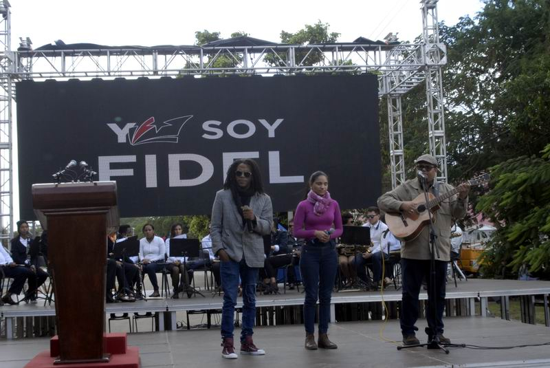 Acto político cultural con el tema Cabalgando con Fidel. Foto: Carlos Serpa