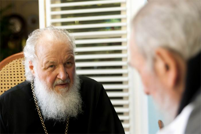 Fidel Castro y Su Santidad Kirill. Foto: Alex Castro