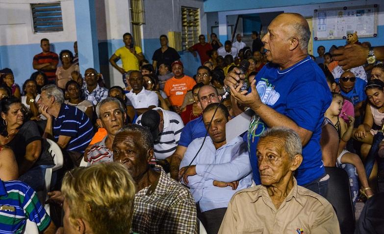 Esteban Lazo: La Revolución no para de hacer cosas por el pueblo
