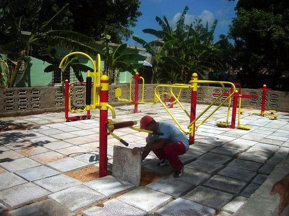 Acciones de mejoramiento social se observan por estos días en Cacocúm, Holguín, Foto: Aroldo García