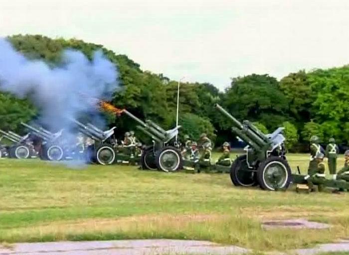 Salvas de Artillería Revista Miliar y marcha del pueblo combatiente