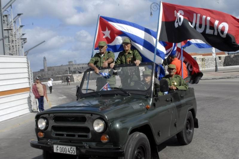 Ratifican habaneros fidelidad a la Revolución. Foto: Carlos Serpa