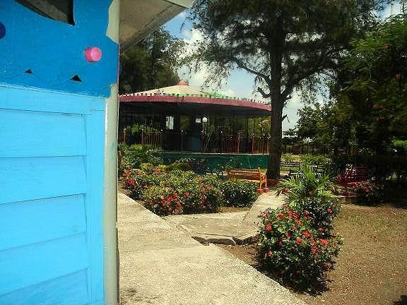 Varios restaurantes y otros centros de servicios han sido remozados.Foto: Aroldo García
