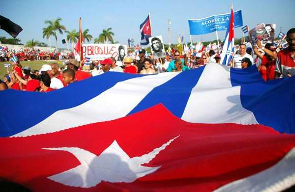 Desfile por el Primero de Mayo en Santaigo de Cuba.