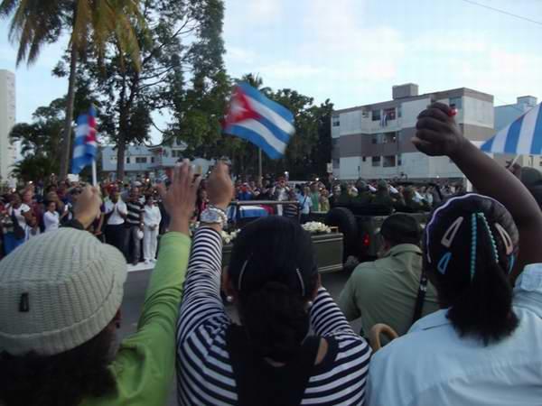 En la salida del cortejo de la Plaza Camagüey. Foto: Miozotis Fabelo