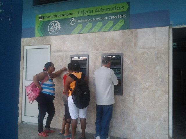 Cajeros automáticos en la comunidad