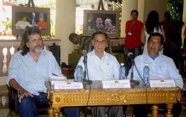 Destacan entrañable amistad de Fidel Castro y Hugo Chávez Frías