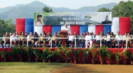 Acto pol�tico y ceremonia militar en honor a los m�rtires del III Frente Oriental Mario Mu�oz. Foto: Carlos Sanabia Marrero.