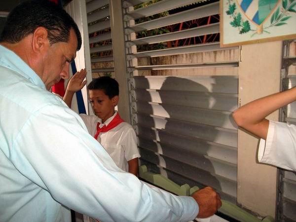Primer Secretario del Partido Comunista de Cuba en Las Tunas, Ariel Santana Santiestaban, destacó que el pueblo está demostrando su apoyo a la obra que se edifica y a sus dirigentes históricos. Foto: Juan Manuel Olivares