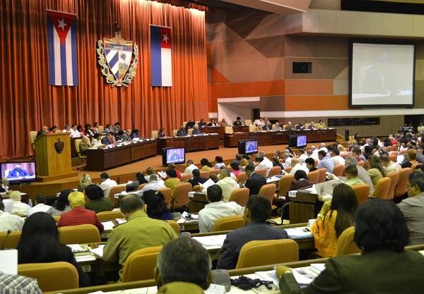 Parlamento cubano respalda palabras de Ra�l Castro