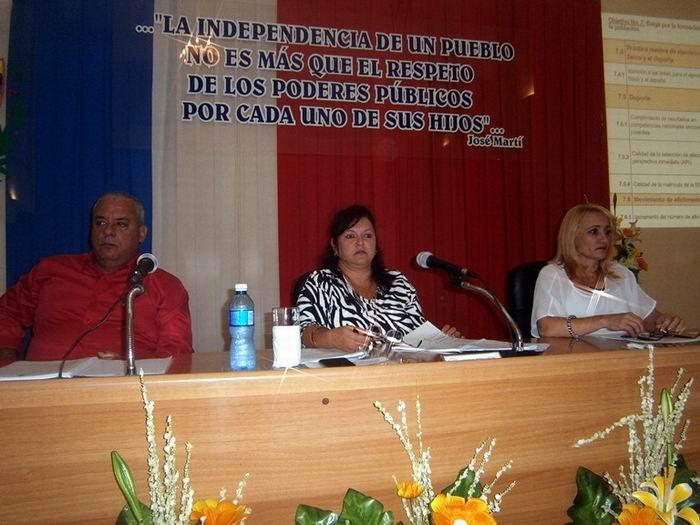 Constata Asamblea del Poder Popular favorables resultados de la economía en Cienfuegos. Foto: Mireya Ojeda