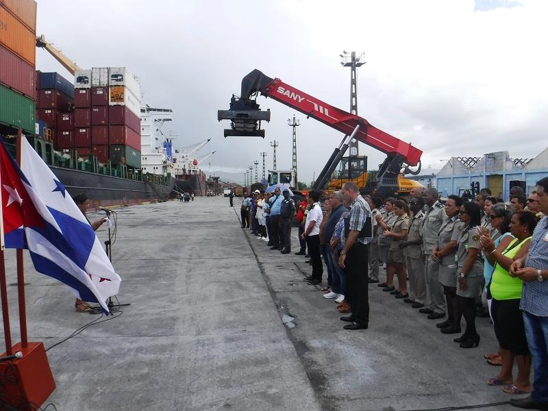 En Cuba primera dama panameña para entregar ayuda por huracán