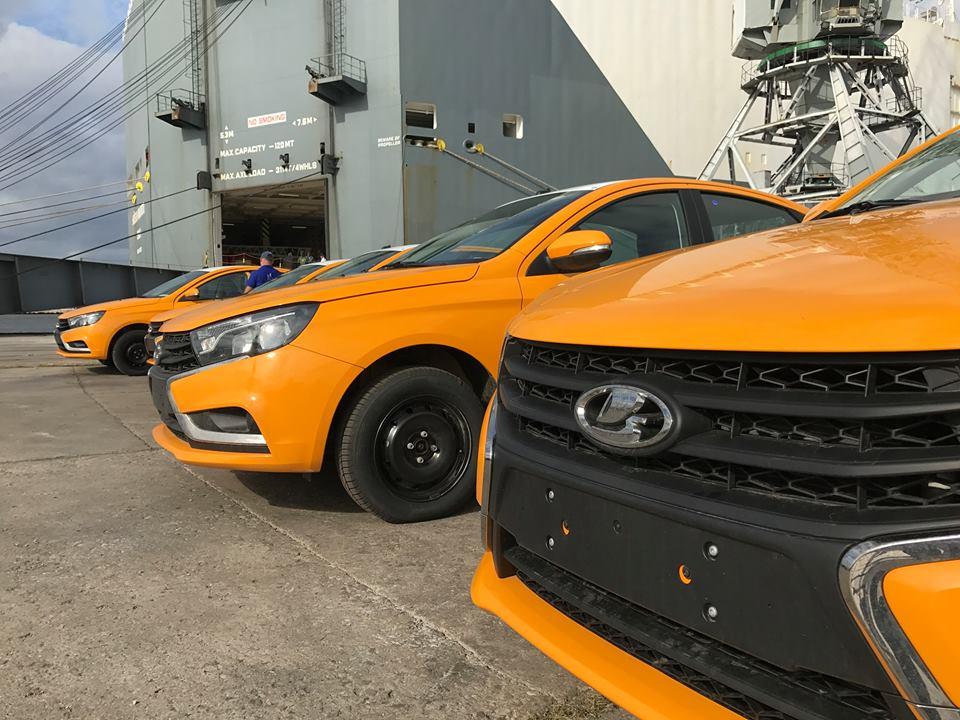 Continúan llegando a Cuba más autos de la marca Lada. Foto: Oliver Zamora