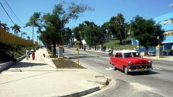 Completamente remozada la avenida de los Libertadores desde Martí y Carretera Central hasta la Victoriano Garzón. Foto: Carlos Sanabia