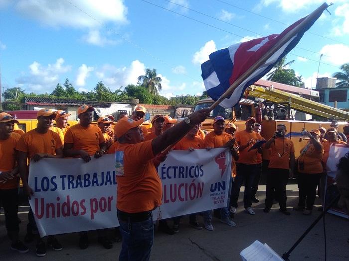 Desde la Isla de la Juventud, un contingente solidario (+Fotos)