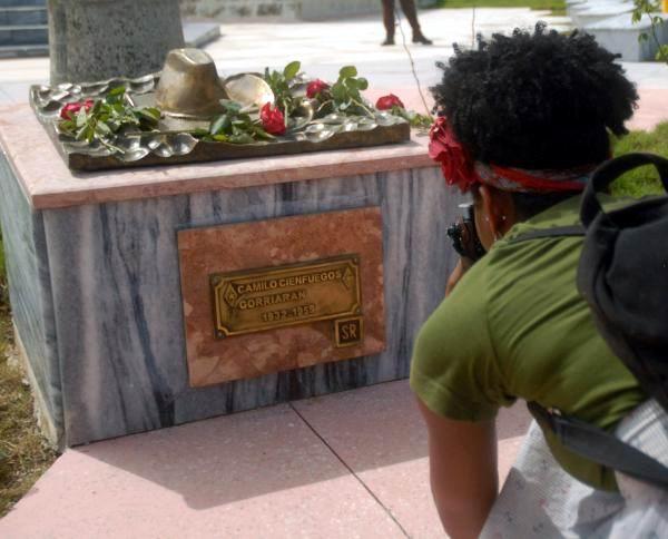 Realiza Brigada Venceremos homenaje al Comandante Camilo Cienfuegos