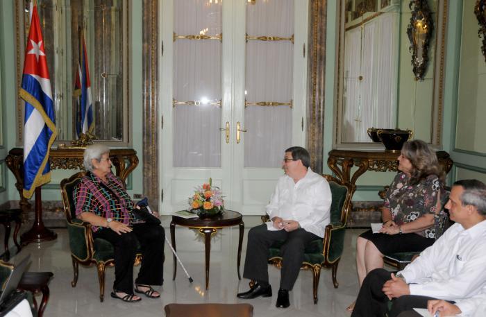 Canciller de Cuba y experta de Naciones Unidas dialogan sobre solidaridad internacional