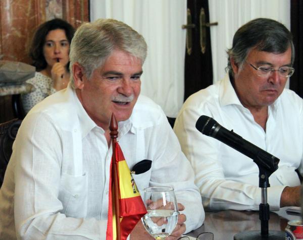 Recibe canciller cubano a su homólogo español