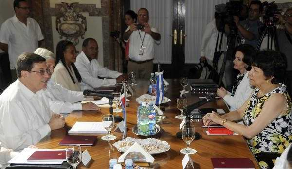 Cuba mantendr colaboraci n m dica en honduras for Relaciones exteriores honduras