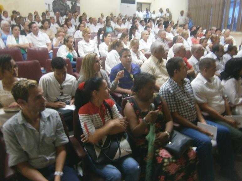 Recorren Cienfuegos candidatos a diputados y a delegados (+Audio)