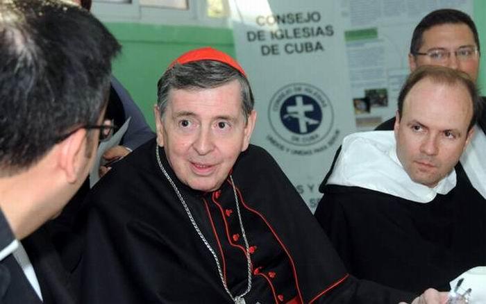 El cardenal Kurt Koch, presidente del Pontificio Consejo para la Promoción de la Unidad de los Cristianos, durante un encuentro con el reverendo Joel Ortega, presidente del Consejo de Iglesias de Cuba (CIC), en La Habana, el 13 de febrero de 2016. ACN FOTO/Vladimir Molina