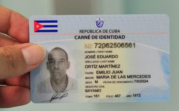 Comenzará a regir gradualmente nuevo carné de identidad. Foto: Ladyrene Pérez