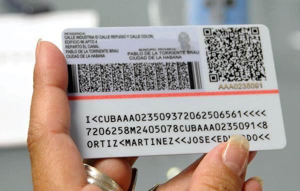 Comenzará a regir gradualmente nuevo carné de identidad. Foto: Roberto Morejón