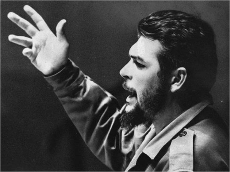El Che y el nuevo logro de la Revolución cubana